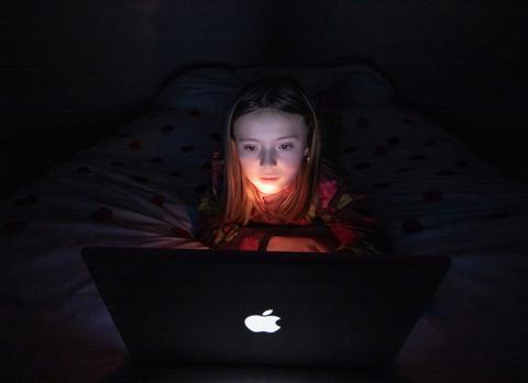 17 ressources sur les dangers et intérêts des écrans pour la jeunesse – Photo © Estelle Perdu