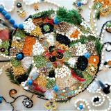 Une mosaïque de graines et de pétales de fleurs